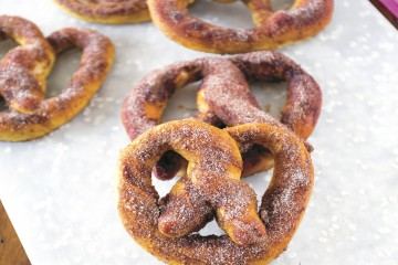 soft pretzel recipe, cinnamon, sugar, snack, dessert, receipts