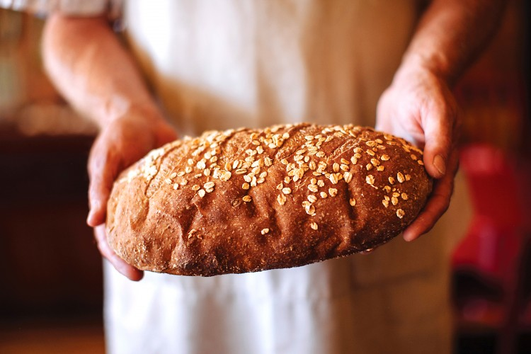 Restaurant-Quality Honey Oat Bread Made In Your Kitchen