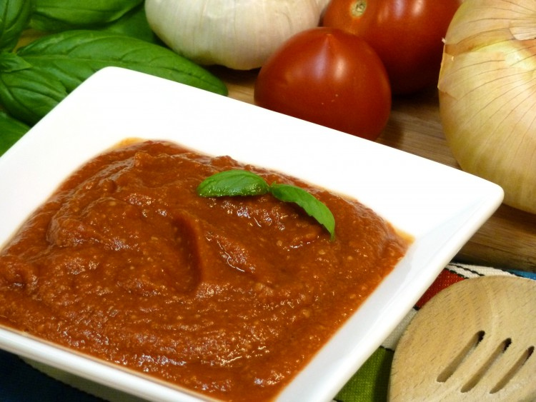 Wake up your tastebuds with homemade marinara sauce from fresh tomatoes.