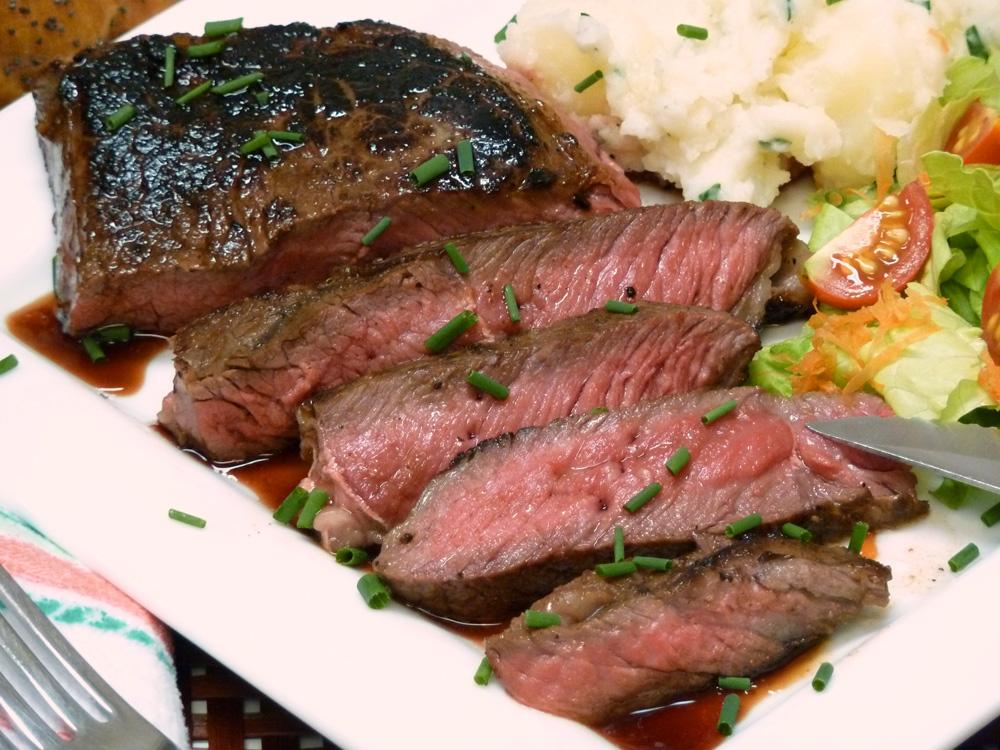 best skillet steak recipe for top sirloin at home peg 39 s home cooking. Black Bedroom Furniture Sets. Home Design Ideas