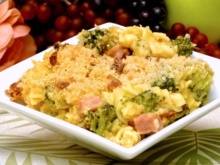 Ham Broccoli Macaroni & Cheese is a meal the entire family will enjoy.