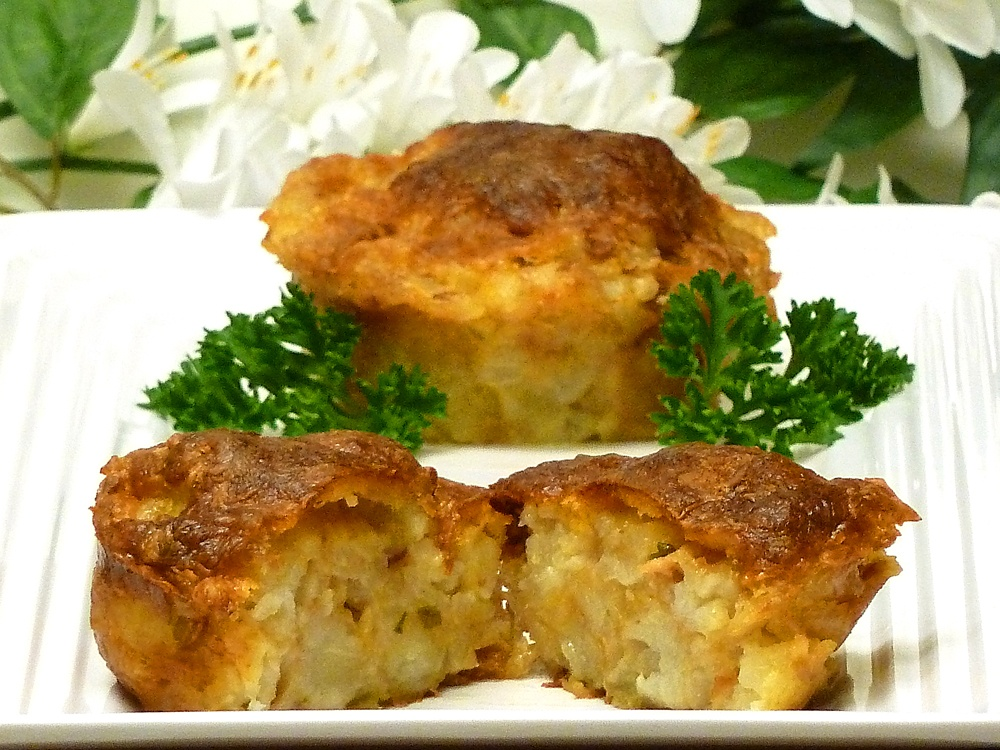 Yummy tater tot muffins are a new way to lure your family to the dinner table.