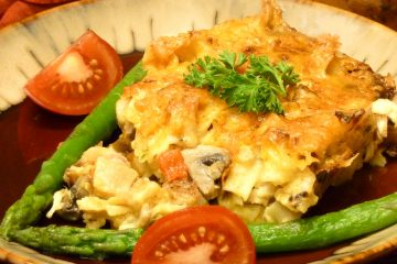Yankee Doodle Noodles with artichokes, mushrooms, and chicken in a killer casserole.