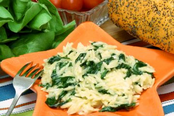 Parmesan Spinach Orzo is creamy, cheesy, and packed with flavor. Kids don't even mind the spinach.