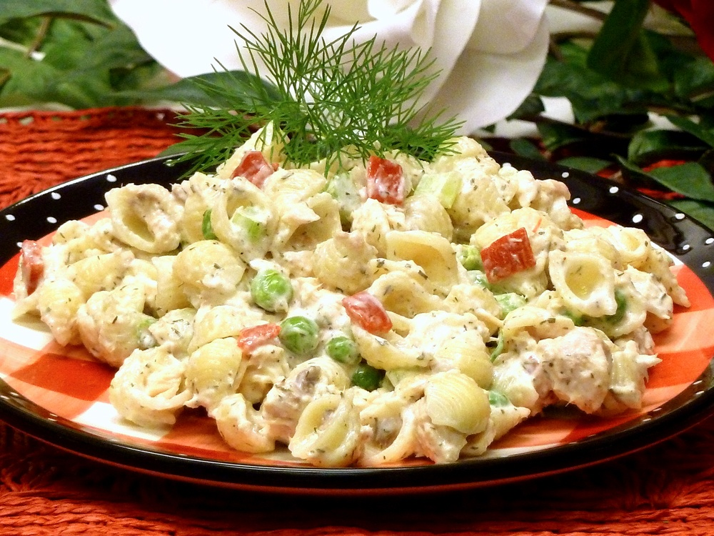 Colorful Salmon Shell Salad is so easy to make. Great as a side dish or a deliciousl lunch.