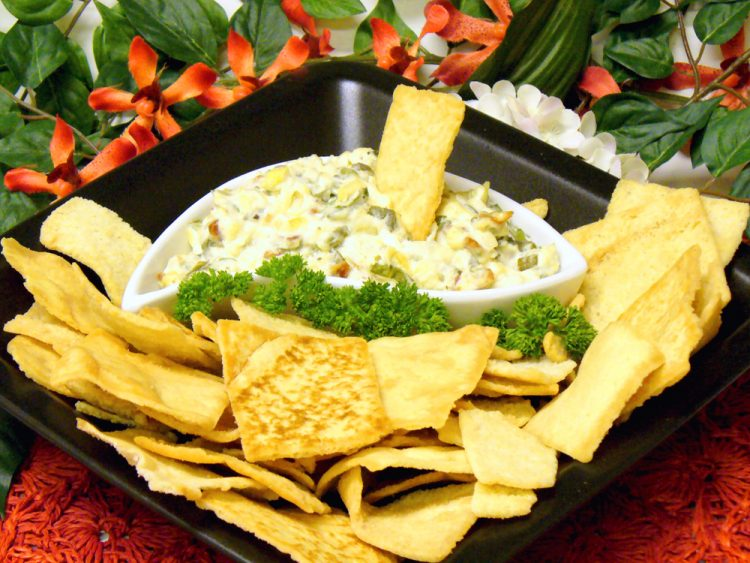 Roasted Garlic Spinach Dip is a delicious party favorite and so easy to make.